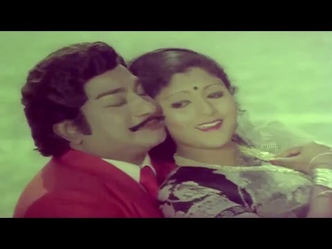 Romantic Song Of Sivaji Ganesan & Jayasudha Tamil Song Yengengo Sellum