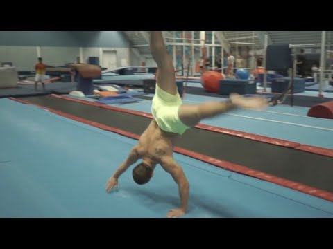 TOP FIVE: Best Gymnastics & Acrobatics of 2016 | PEOPLE ARE AWESOME 2016 thumbnail
