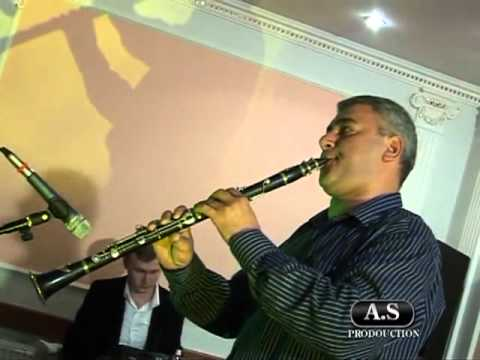 Эрнест Погосян - кларнет.