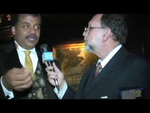 The National Arts Club Honors Dr. Neil DeGrasse Tyson with t