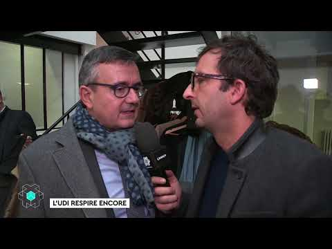 Marine Le Pen souhaite une bonne année à la presse - CANAL+
