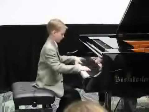 le meilleure pianiste du monde - YouTube