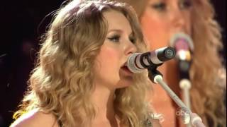 Fifteen, Love Story & You Belong With Me By Taylor Swift ( CMA Fest 2009)