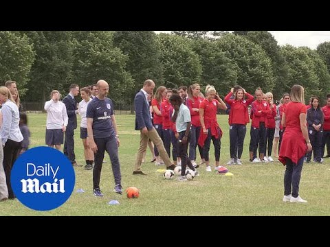 Prince William misses penalty as he welcomes England's Woman's football team - Daily Mail