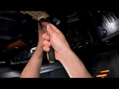 Разбор центральной консоли и мультимедиа Lexus IS 250