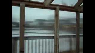 теплица из поликарбоната на деревянном каркасе(Вариант строительства теплицы из деревянного каркаса, с использованием сотового поликарбоната толщиной..., 2014-02-19T07:51:49.000Z)