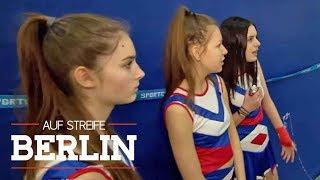 Zickenkrieg unter Cheerleadern: Warum sind sie so wütend? | Auf Streife - Berlin | SAT.1 TV