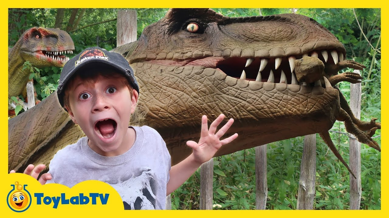 Giant Dinosaurs & Life Size T-Rex! Family Visit Fun Kids