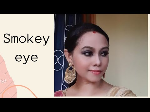 Easy steps of beautiful smokey eye look with Amway beauty brands