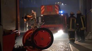 NRWspot.de | Feuerwehreinsatz in der Neujahrsnacht in Hagen, Tuchmacherstraße