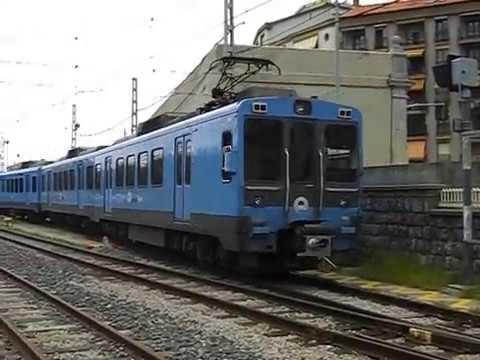 Euskotren - 3504 en Deba realizando un servicio de refuerzo