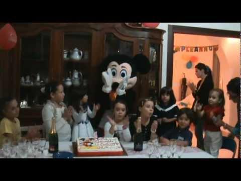 Topolino alla festa di  compleanno di Vanessa.MPG