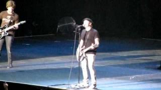 Fall Out Boy- She's My Winona (+pete dancing! & moshing scene) [Live In Macau 19JUL09]