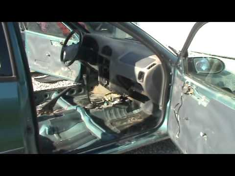 Geo Metro 1997 interior and removal