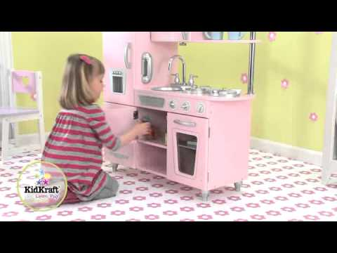 Cuisine en bois vintage rose kidkraft youtube for Cuisine rose kidkraft