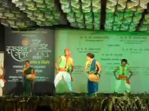 Rani majhya malyamandi by vaishali samant avadhoot gupte on amazon.