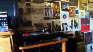 "Africali - Ayiko Bia (US EASYSTREET 12"") Electro classic."