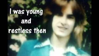 Mötley Crüe: Raise Your Hands To Rock + lyrics