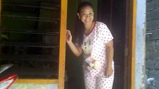 Download Video Mamah centil MP3 3GP MP4