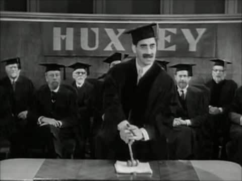 Horse Feathers - (1932) - holící scéna