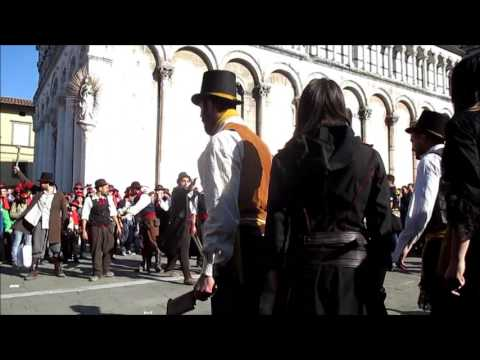 Gangs Fight - Assasin's Creed Syndicate in Real Life - Lucca Comics & Games 2015