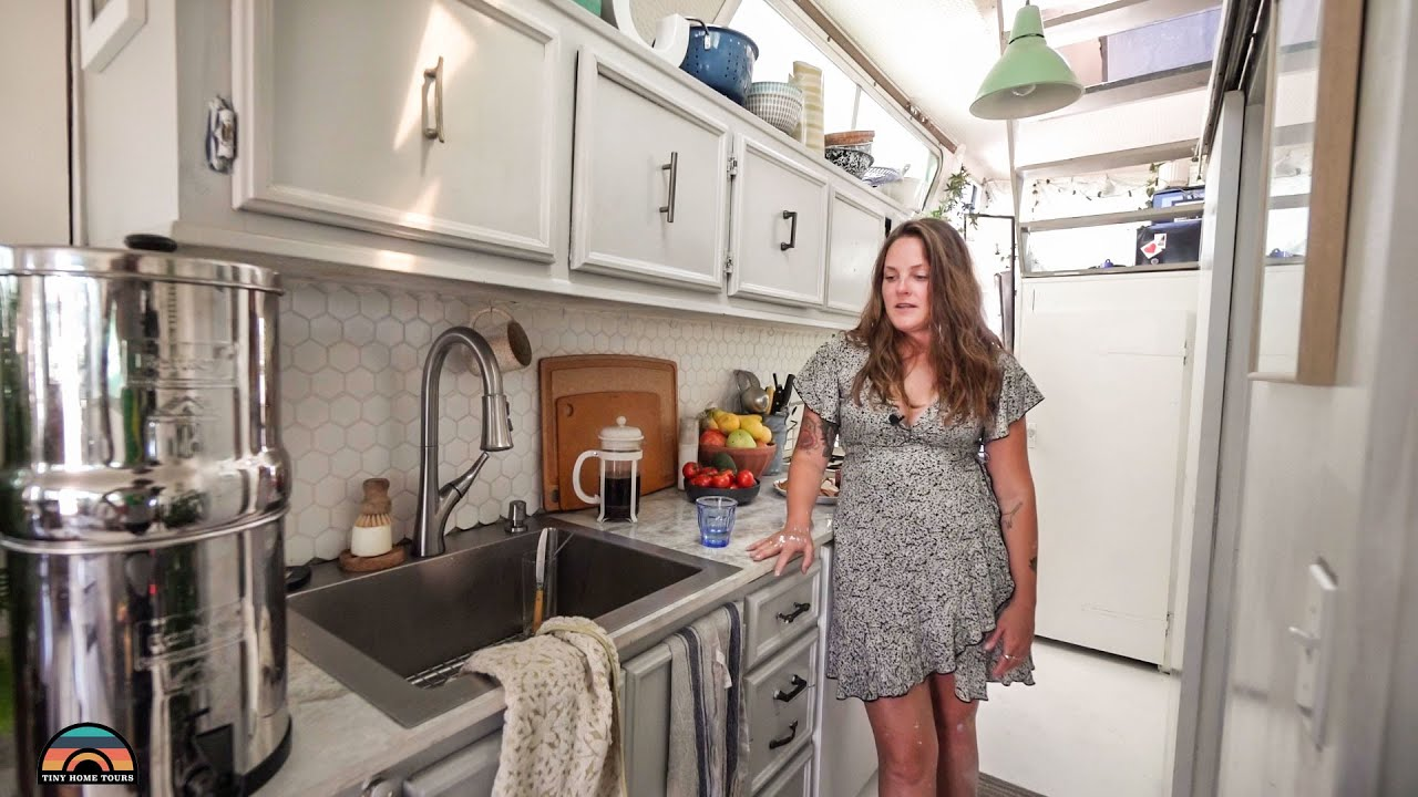Women & Her House Boat Tiny House W/ Shower & Toilet - Escaping Bay Area Rent