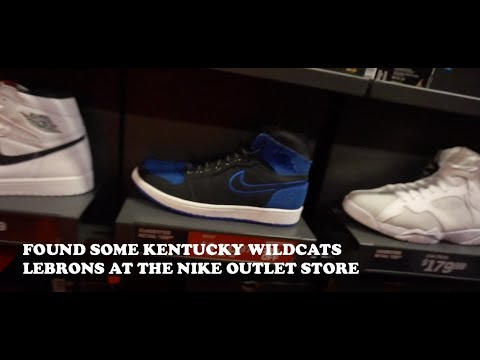 Kentucky Wildcats Lebrons Found At The Nike Outlet Store Toronto Premium Outlets