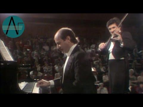 Pinchas Zukerman & Marc Neikrug: Franz Schubert - Sonatina Opus 137 No. 2