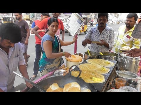 Hyderabadi Couple & Their Team Selling Butter Masala Dosa @ 20 rs Only