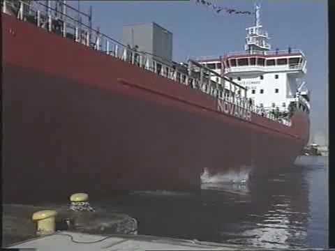 """Cantiere Navale Fratelli Orlando. Varo della nave """"Mimmo Ievoli, Livorno 24 gennaio 1998"""