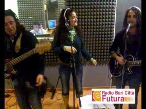 RHOMANIFE LIVE A RADIO BARI CITTA' FUTURA.avi