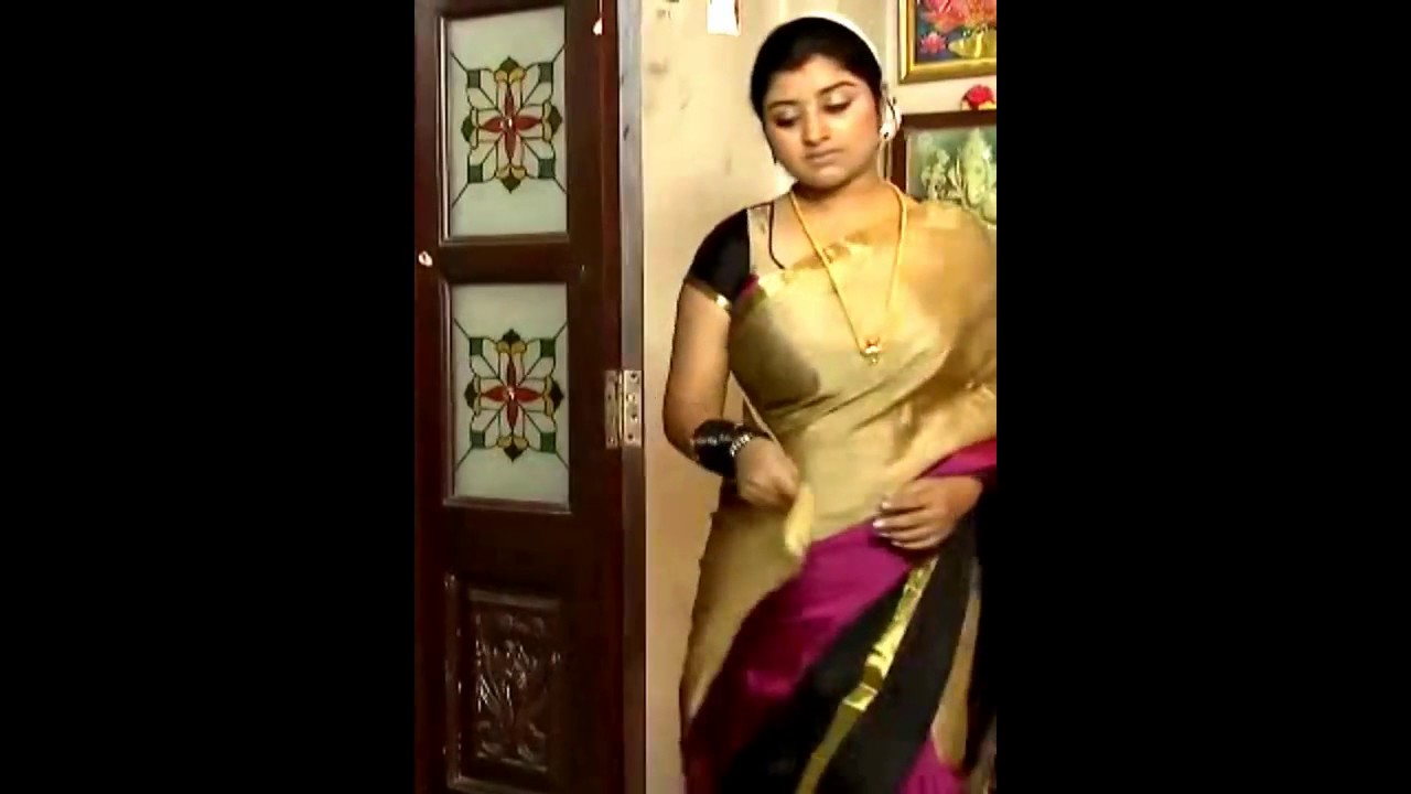 serial aunty hot in saree