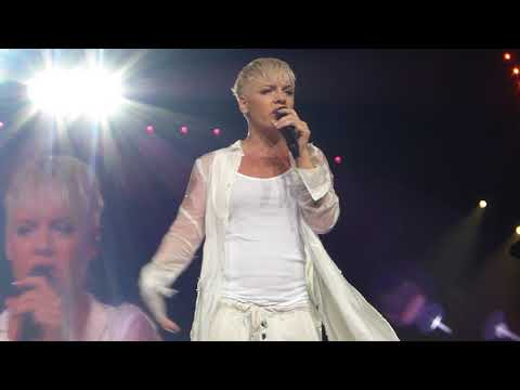 P!nk - F**kin' Perfect (Explicit Version) Rod Live At Laver Arena  28/8/18 PINK