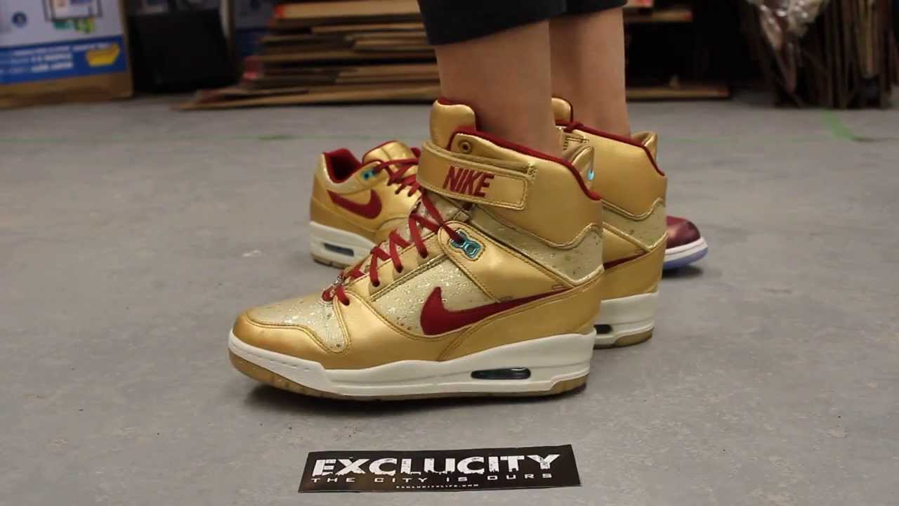 WMNS Nike Air Revoloution Sky High PRM