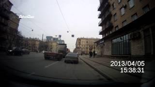 Наглый поворот фуры из второго ряда.(, 2013-04-05T14:27:22.000Z)