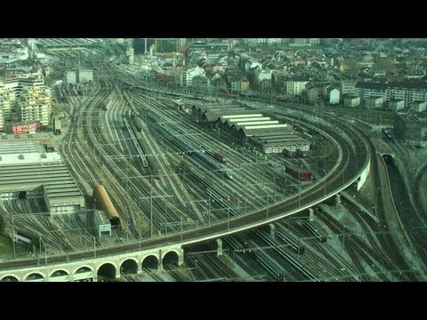Zug um Zug - 60 min Nonstop Trains Zurich Main Station- train relaxation , Prime Tower