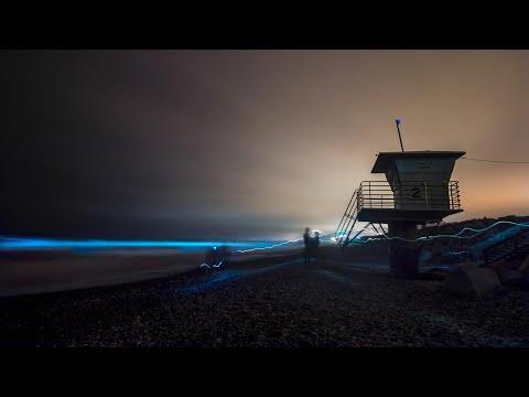 Algae causes glowing aqua waves in San Diego
