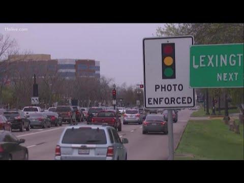 Texas Governor Bans Red-light Traffic Cameras