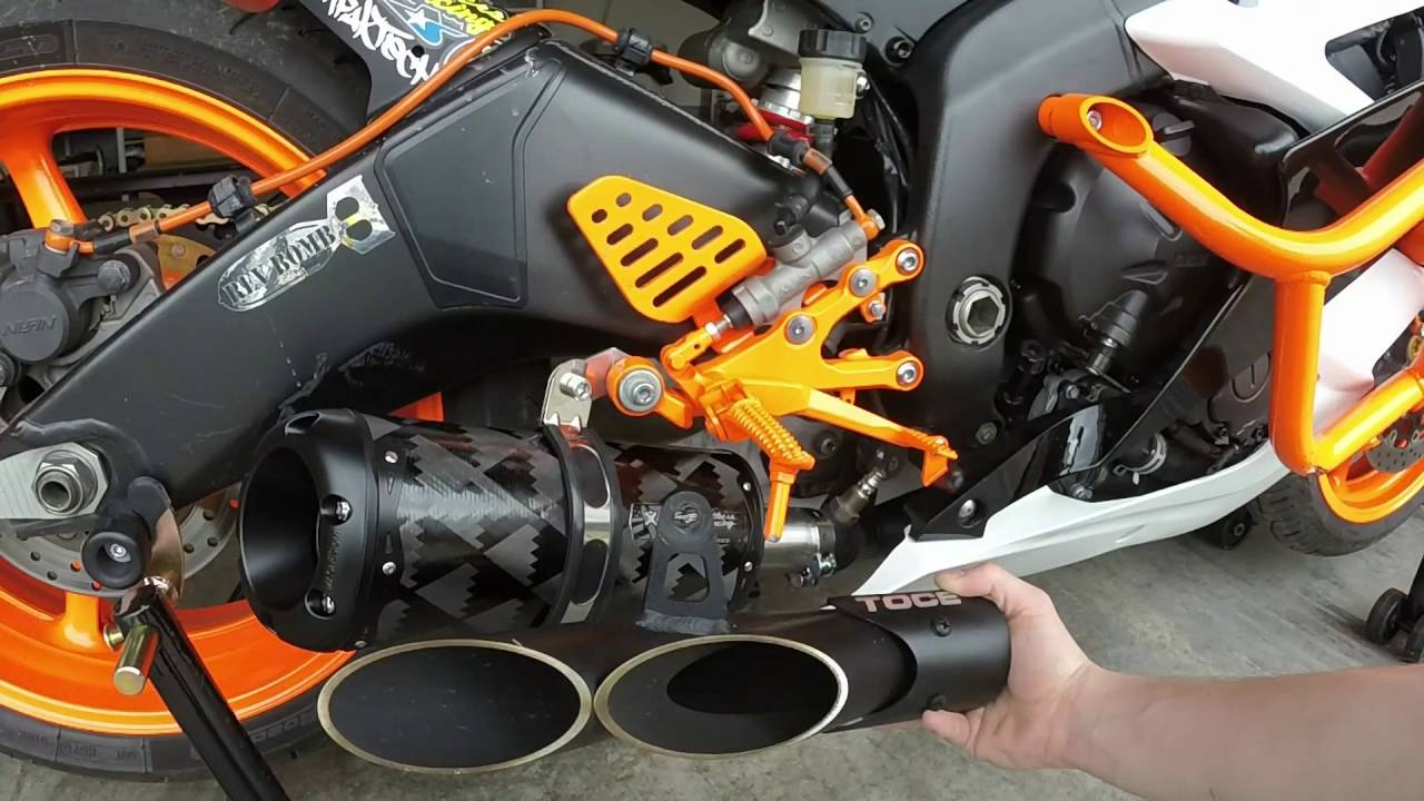 Toce Vs Two Brothers Exhaust On 2007 R6 No Cat Youtube