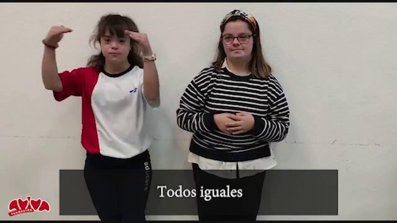 El taller de Lengua de signos por el día internacional de las personas con discapacidad