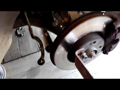 Скрип подвески при повороте руля