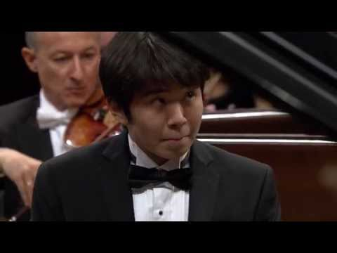 Yike (Tony) Yang – Piano Concerto in E minor Op. 11 (final stage of the Chopin Competition 2015)