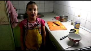 """""""СоФи'эН"""" 1 выпуск: сырный суп с фрикадельками"""