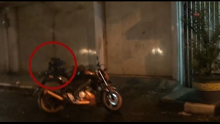 Download Video Kepergok Pelukan di Pinggir Jalan, Ternyata Keduanya Pria - 86 MP3 3GP MP4