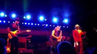 Cold Sweat - Mindi Abair and The Boneshakers (Smooth Jazz Family)
