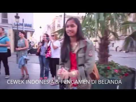 CEWEK INDONESIA KEJUTKAN PENGAMEN DI BELANDA-nyanyi lagu Zombie