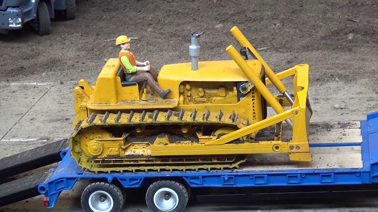 Caterpillar Dozer D6 Oldtimer Rc Model Youtube