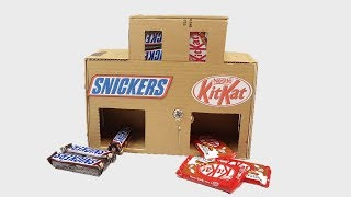 How to make Snickers and KitKat Chocolate Vending Machine with Key || at Home