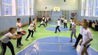Замалдинов Ф.А. ведет урок физкультуры (волейбол) на конкурсе ''Учитель года - 2014'' (день 2) №4