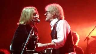 """Mott the Hoople play Bowie's """"All the Young Dudes"""" at the Glasgow A..."""